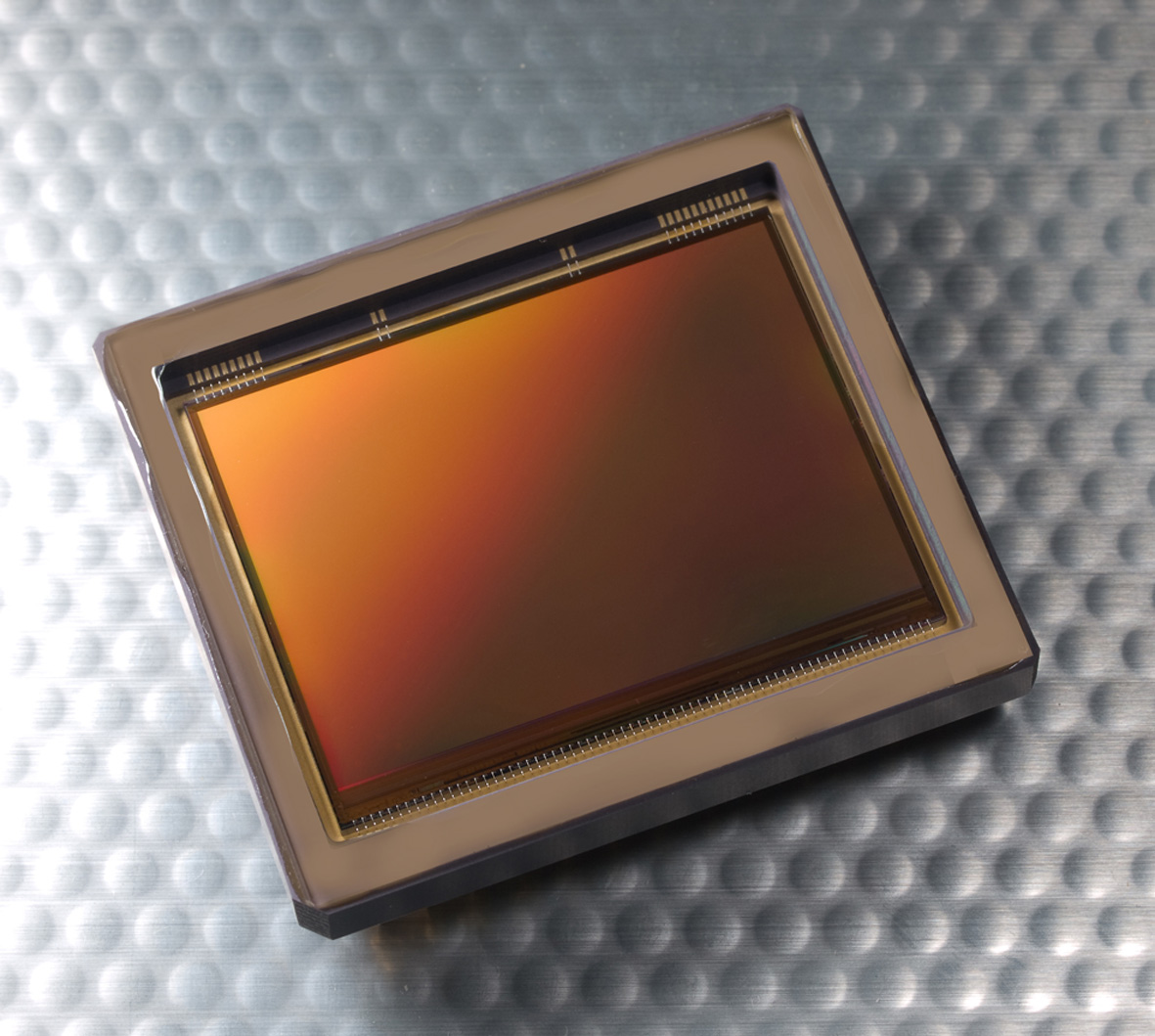 Figure 2: CMOSIS array sensor CHM70M.