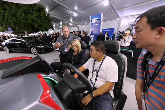 , Driving Performance on land and on water: Stronger and lighter: the eleventh boat from Mercedes-AMG and Cigarette Racing sets new benchmarks through extensive use of carbon-fibre