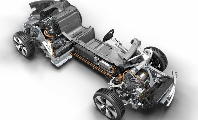 , Drive system for the BMW i8 wins International Engine of the Year Award for the fourth time.