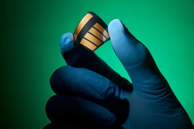 , Unleashing perovskites' potential for solar cells